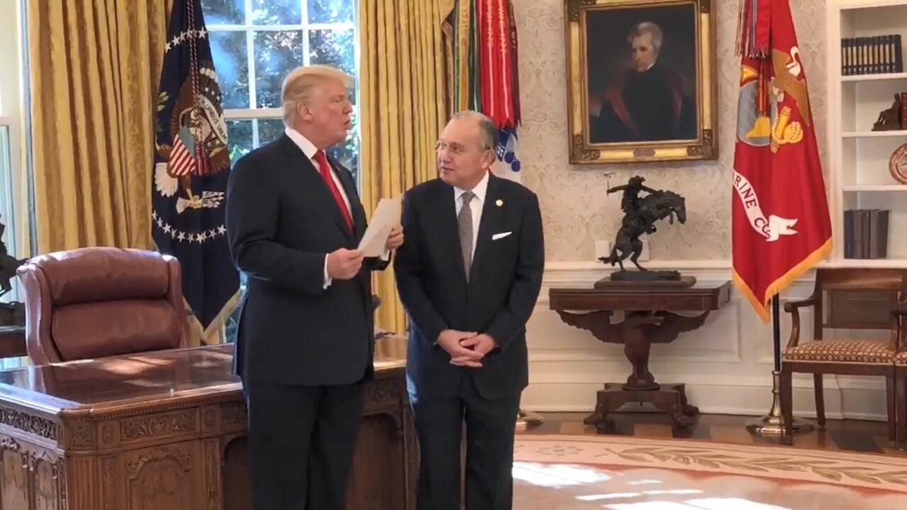 Donald Trump w: Amd.JMR